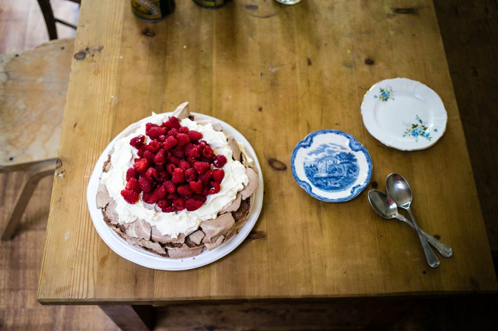 Chocolate and Raspberry Pavlova Recipe-8