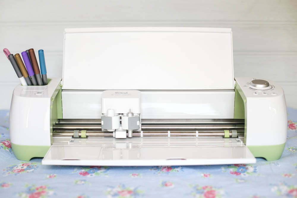 5 Reasons You'll Love the Cricut Explore from Housewife Confidential-5