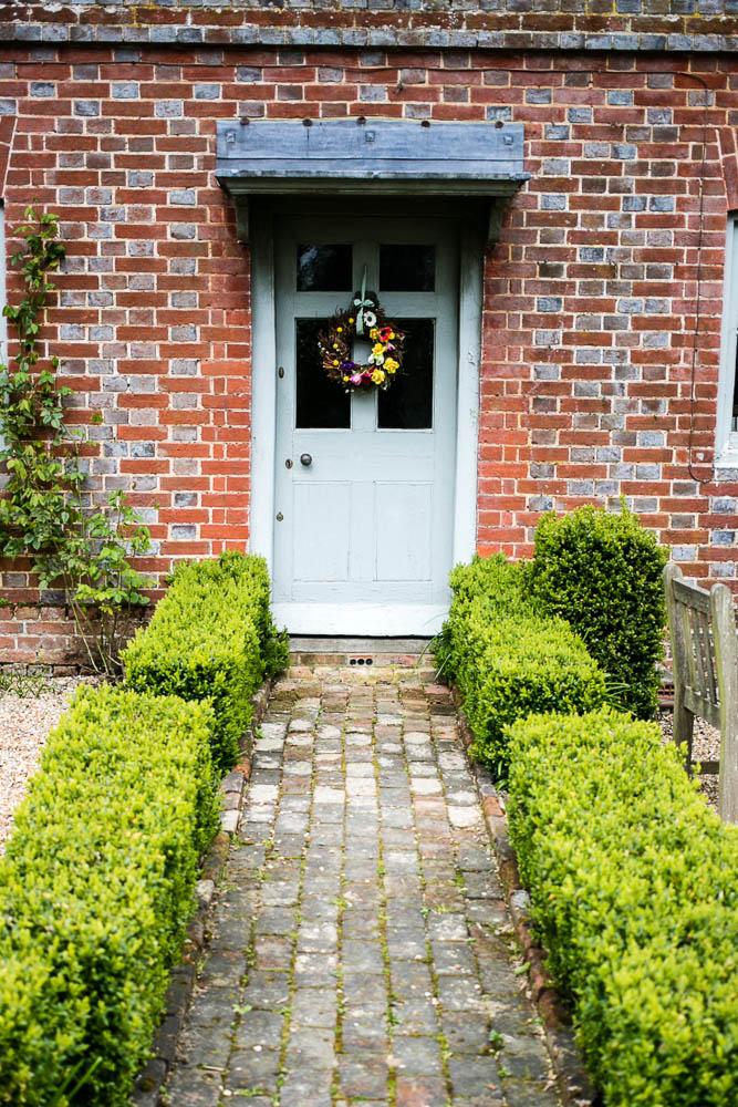 Spring Door Wreath by Housewife Confidential-5-4